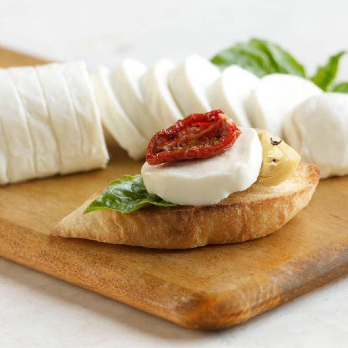 Mozzarella Slices Toast Point
