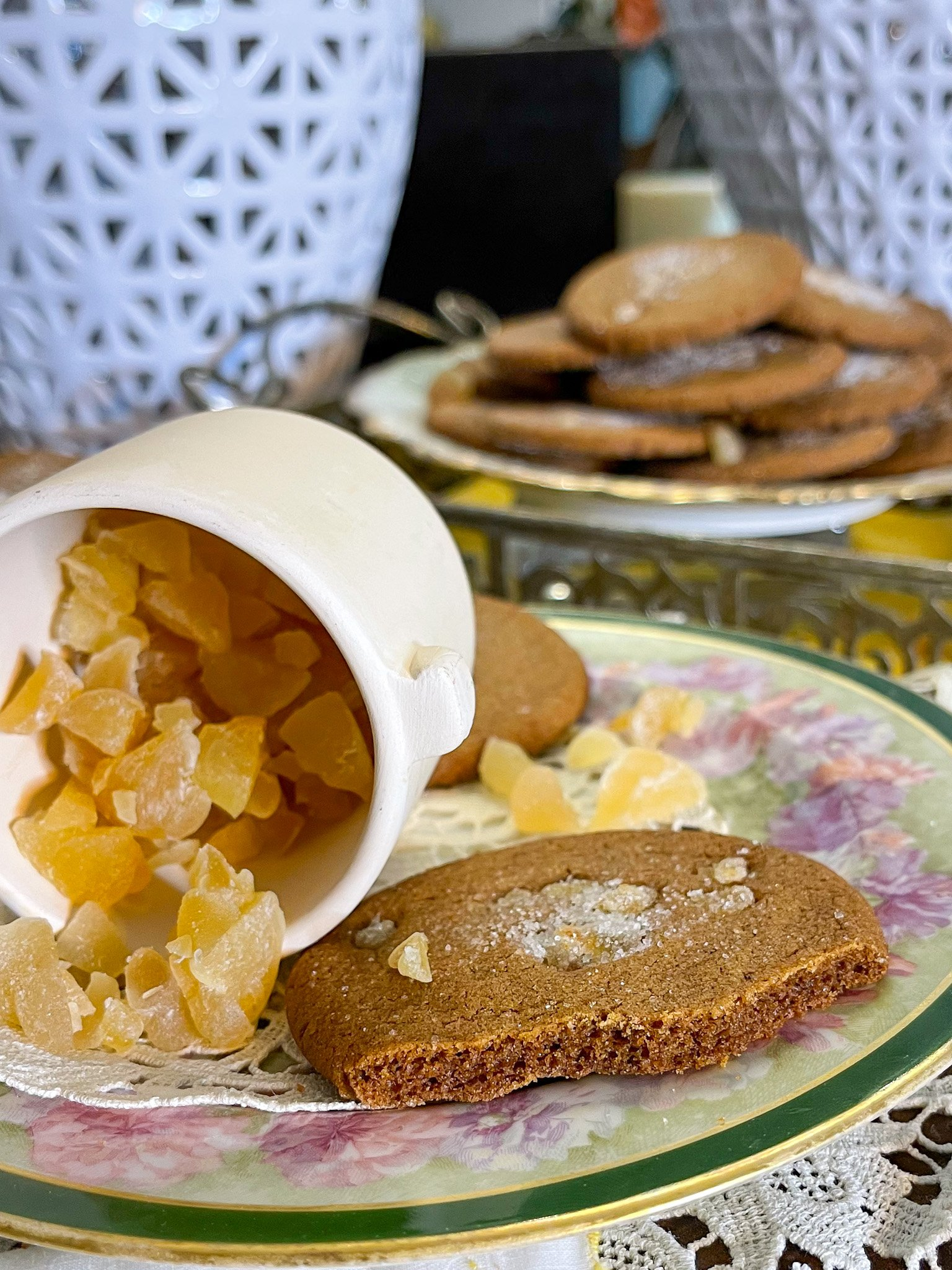 Hot Cakes Bakery - Crispy Crafted Candied Ginger Cookies 3