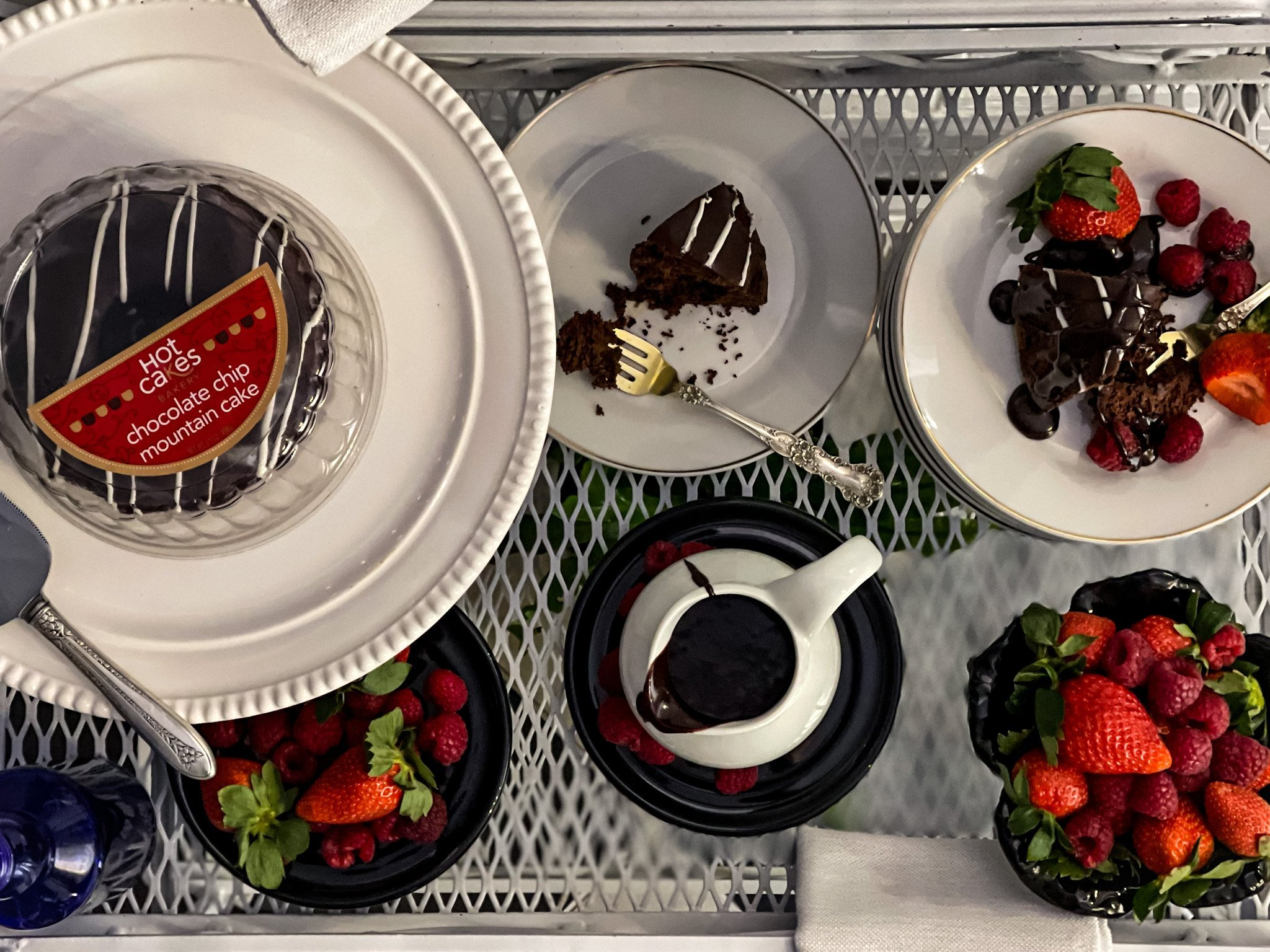Hot Cakes Bakery - Chocolate Mountain Cake 2